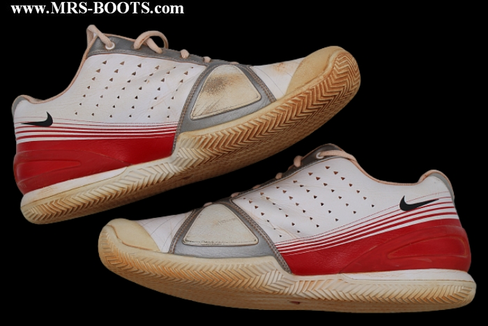 ROGER FEDERER HAMBURG 2007 MATCH WORN SHOES - BOOTS - SNEAKERS
